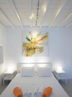 Mykonos Art Villas master Bedroom 5. (Independent studio).