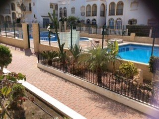 2 bed apartment, shared pool, 5 mins walk to beach