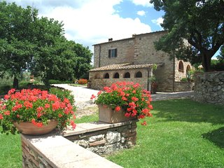 3 bedroom Apartment in Palagio, Tuscany, Italy : ref 5513127