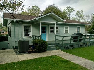 Beautiful, newly renovated home 3 blocks from town, trails and Music Center!