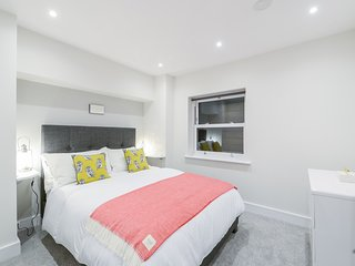 Stunning Ealing Apt up to 8 perfect Heathrow Oxford Circus Westfeld Pddngton
