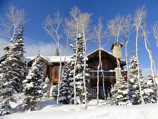 Ski in, Ski out, 20-miles views, Deer Valley 4 bd+loft, 3200 sqft, free shuttle!