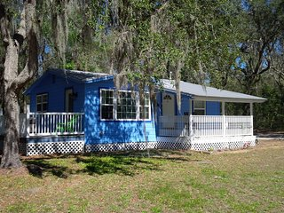 Relax At The Suwannee River Cottage-Rustic Luxury