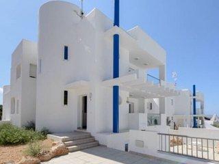 Fabulous modern Villa, 10 min walking from Cala Vadella, private swimming pool.