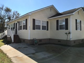 Vacation Rental in Surfside Beach, SC   2bed/2bath w queen sleeper sofa.