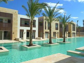 Luxury Holiday Apartment with direct access to the pool