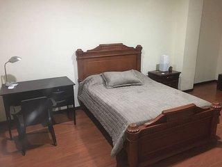 Habitaciones/suites equipadas frente aeropuerto guayaquil