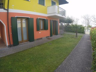 Great Apartment Private Garden - Beach Place Included - Caorle near Venice