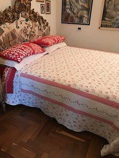 Appartamento indipendente con due camere da letto e bagno privato