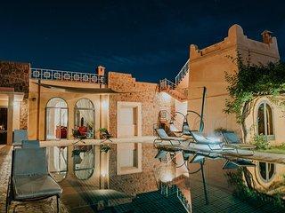 DAR MANOU, Villa de Grand Standing à 10mns du centre de Marrakech