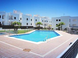 Piso Conil, piscina y terraza con espectaculares vistas al mar hasta 5 personas