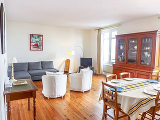 2 bedroom Apartment in Hendaye, Nouvelle-Aquitaine, France : ref 5581197