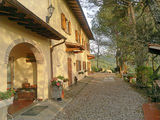 4 bedroom Villa in Ampinana, Tuscany, Italy : ref 5580752