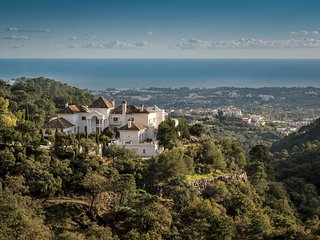 8 bedroom Villa in Benahavis, Andalusia, Spain - 5580113