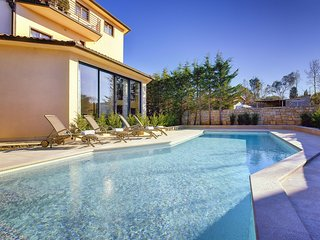 5 bedroom Villa in Stinjan, Istria, Croatia : ref 5581126