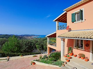Sunset House: Stunning views, close to amenities, not far from the beach
