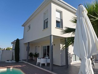 3 bedroom Villa in Aigues-Mortes, Occitania, France : ref 5580691