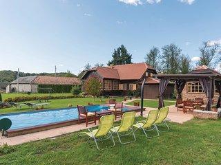 3 bedroom Villa in Perna, Sisačko-Moslavačka Županija, Croatia : ref 5536332