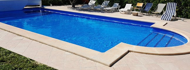 Family Villa with fabulous private pool and large garden, close to the Med.