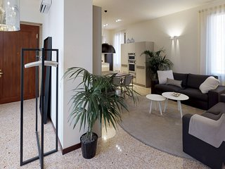 Ca' Moro - SALINA - 3 bedrooms apartment in antique palace, completely restored,