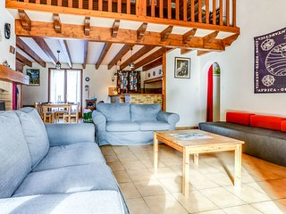 3 bedroom Villa in Le Moutchic, Nouvelle-Aquitaine, France : ref 5580944