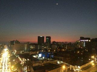 Amplio, cómodo apartamento, ubicación céntrica en distrito mas bonito de Lima