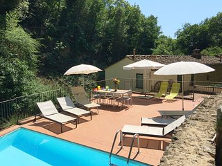 4 bedroom Villa in Mignana, Tuscany, Italy : ref 5580292