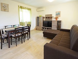 2 bedroom Apartment in Hum, Istria, Croatia : ref 5560037