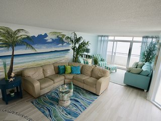 Amazing  Ocean Front  2 bedroom/2 bath with 1000sq ft private balcony & Pool