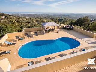 Villa Panorâmica - Charming 5-Bedroom Villa with a Magnificent Panoramic View