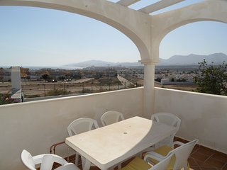 Mirador 70, 3 bedroom apartment with sea views,communal pools, WIFI
