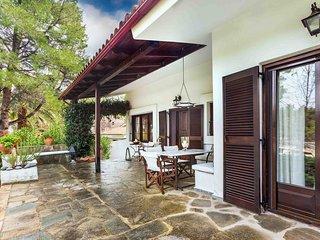 Mediterranean Wood & White Residence, Sani