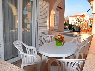 New One-Bedroom Apartment with Terrace, Novalja