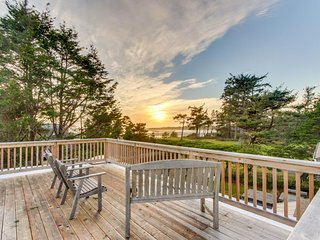 Secluded multi-level home with detached studio, amazing views of ocean, sauna!