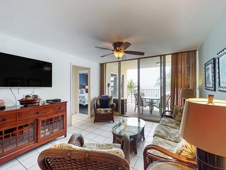Oceanfront suite with gorgeous views, easy access to beaches, and shared pool!