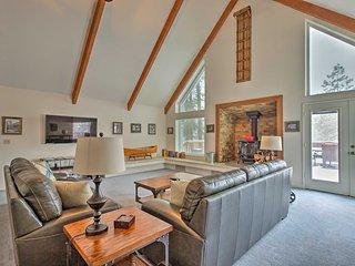NEW! 4BR + Loft 'Mudge Ranch Retreat' by Bass Lake