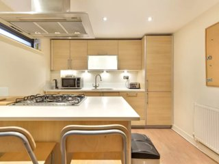 Superbly Located & Fabulous Waterloo Apartment!