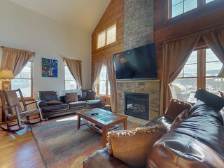 Spacious, dog-friendly home w/ private hot tub, shared tennis - near the slopes!