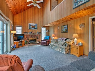 Wilmington Home w/Pool Access- 20 Mins to Mt. Snow