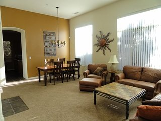 RENT REDUCED! Charming 2bed/2bath townhome located in Village of Oak Creek CORTE