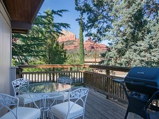 Quaint Country Style Home located in the middle of Uptown Sedona! CAPITOL BUTTE