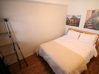 CM301 - 1 Bed-1Bath, Sleeps upto 4, Partial Lakeview