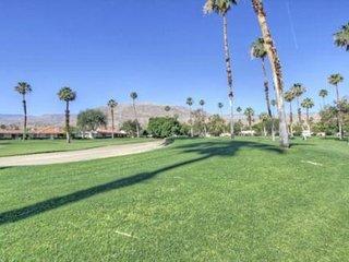 ALP101 - Rancho Las Palmas Country Club - 2 BDRM Plus DEN, 2 BA