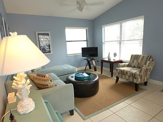 4101GD-2. Gorgeous 2 Bedroom Condo on Anna Marie Island