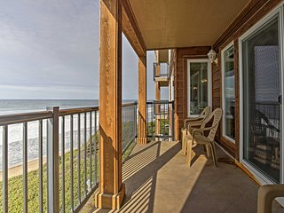 NEW! 2BR Lincoln City Condo w/Patio & Ocean Views!