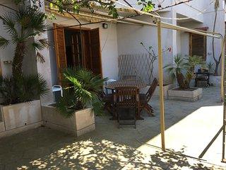 Casa Vacanza duplex a Torre dell'Orso 8 posti 2 bagni 100 m dalla sabbia