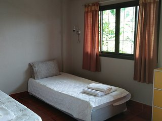 Yuppadee room for rent 2 single bed in center of Khaolak (2,100/w-5,000/m)