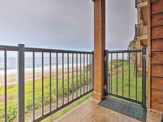 Ocean-View Resort Condo in Lincoln- Steps to Beach