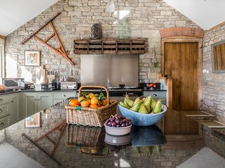 The Barns - Mill, Hayloft & Byre, sleeps 24-28 The Space to Celebrate