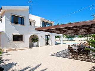 Villa Infinity DPS-H01- An Elegant Three Bed Villa with Pool